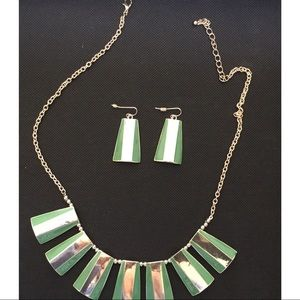 Jewelry - GREEN AND GOLD NECKLACE SET ⭐️ BUNDLE 3 FOR $18⭐️